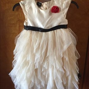 Holiday editions dress size 6